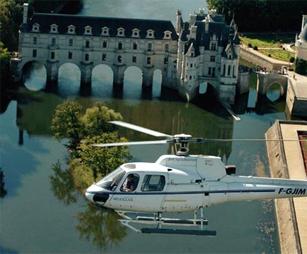 survol-chateau-loire-helicoptere